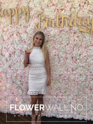blomstervegg, rosa blomstervegg, blush blomstervegg, flowerwall, blomstervegg norge, blomstervegg bursdag, leie blomstervegg