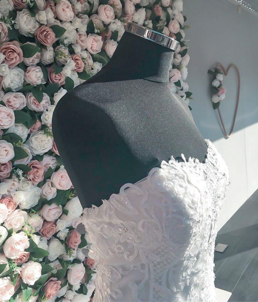 blomstervegg til salgs, blomstervegg utleie, enchanted garden flower wall, flower wall, blomstervegg bryllup