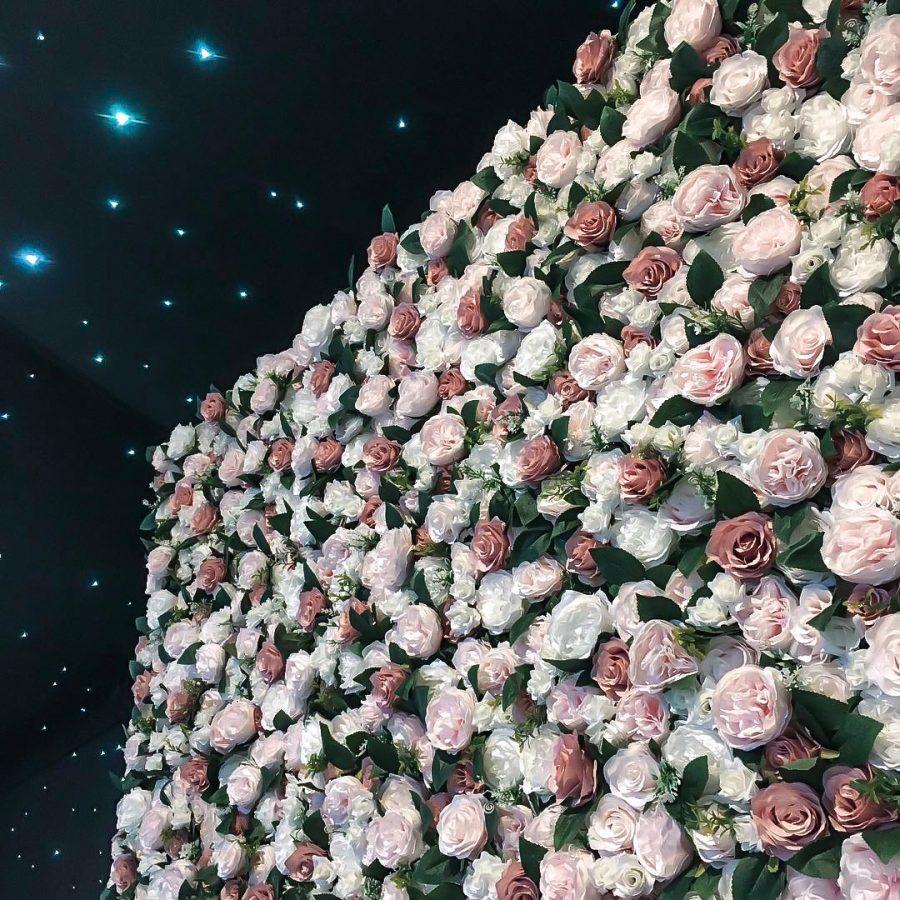 blomstervegg utleie, blomstervegg, blomstervegg bryllup, blomstervegg selskap, selskapslokaler, utleie bryllup, blomstervegg butikk, blomsterdekorasjoner butikk